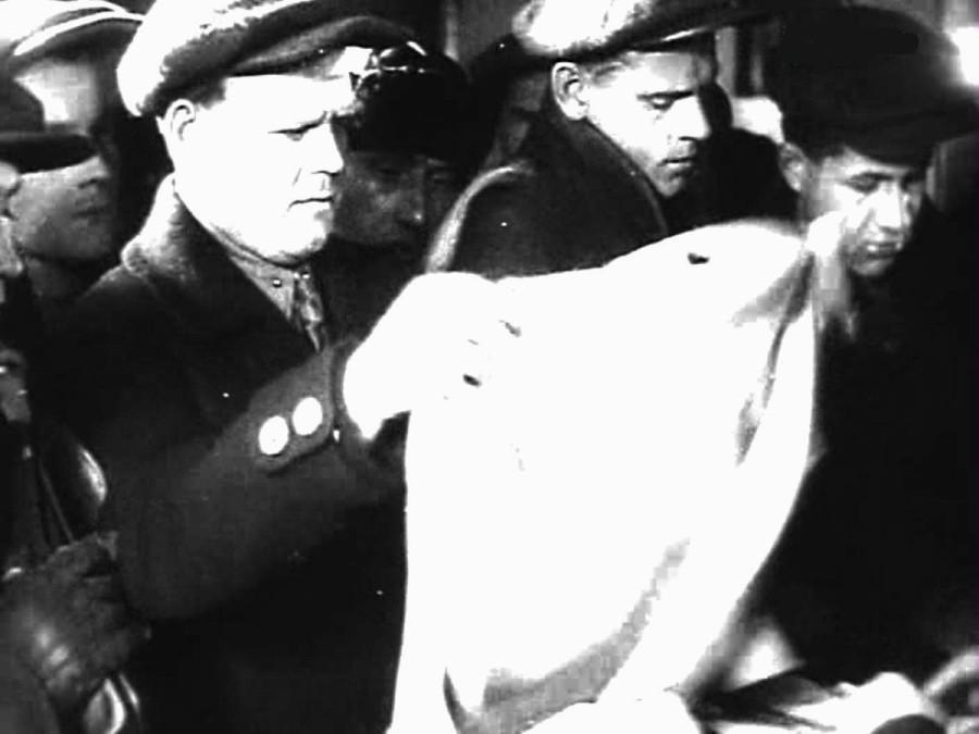 В магазине кинокадр 1934 год