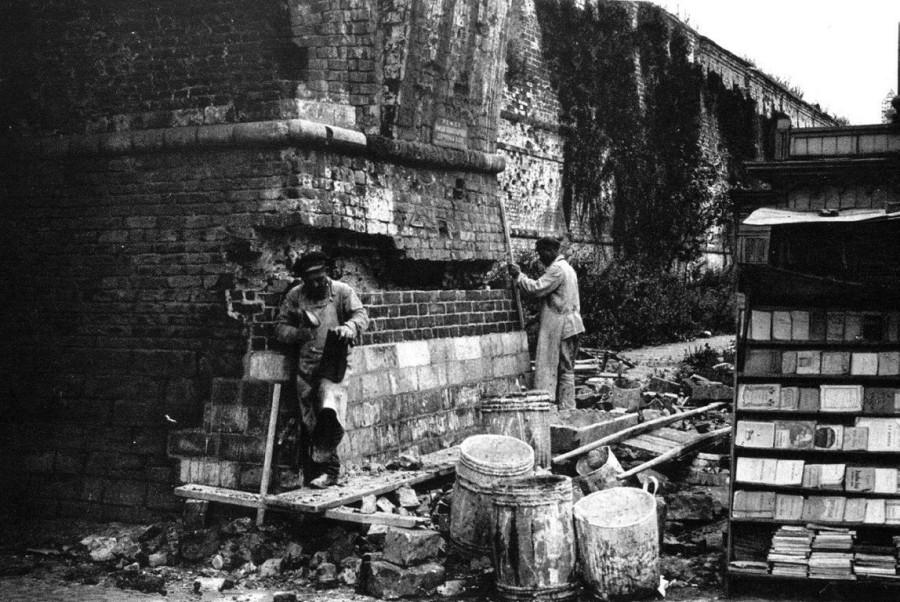 Реставрация Китайгородской стены в 1926 году