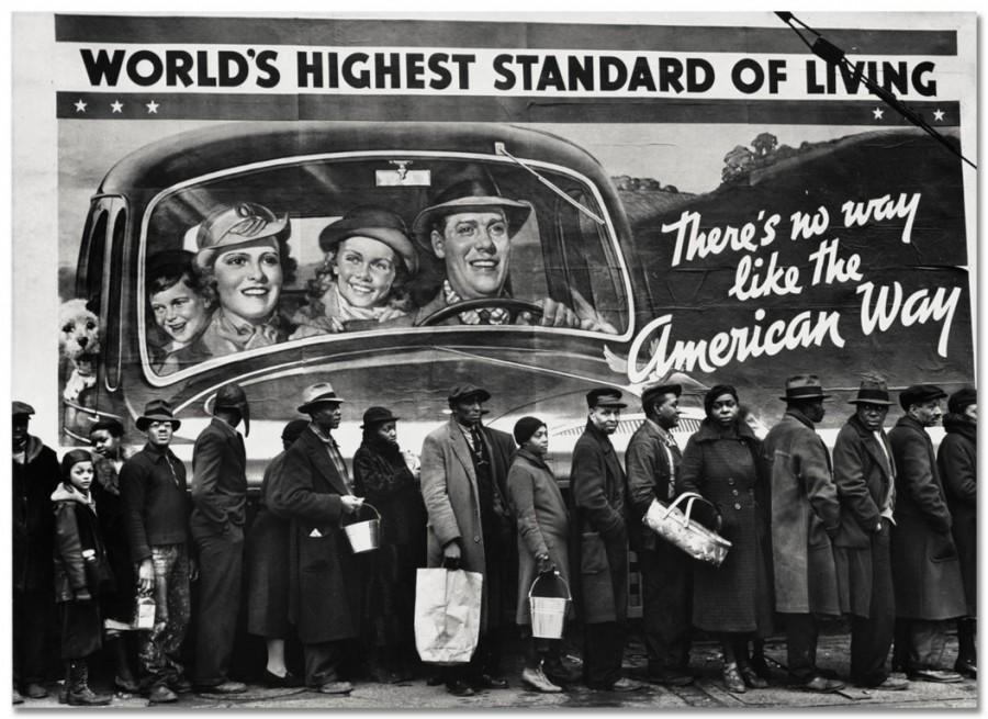 Наводнение в Луисвилле. Около пункта помощи Красного Креста, 1937 год)