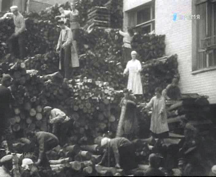 Субботник 1920 год кинокадр 2