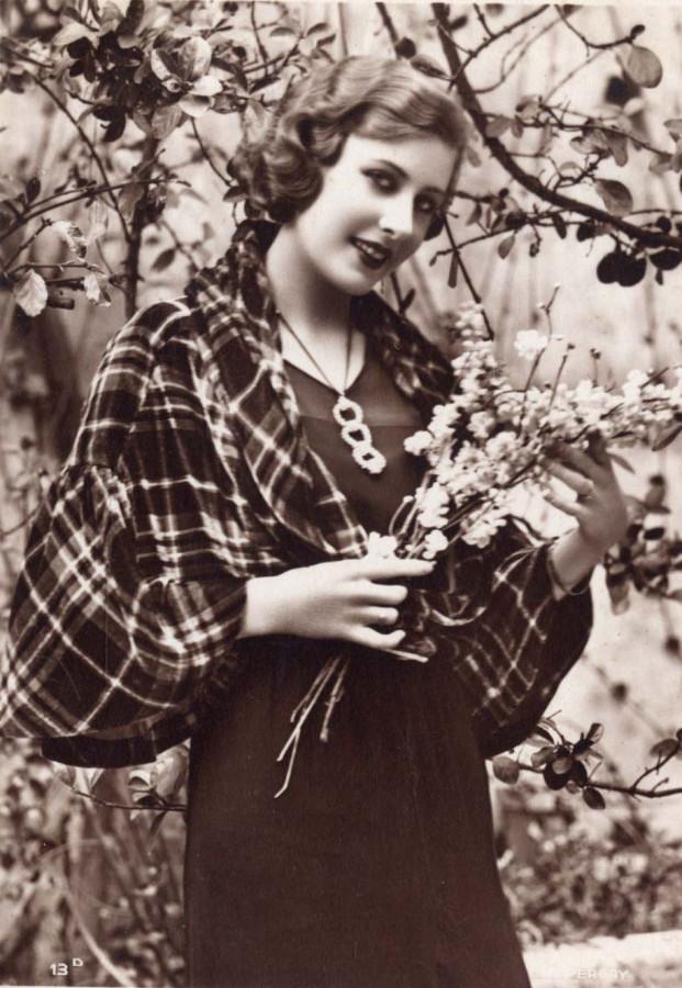 Нина Поль эмигрантская Мисс Россия 1932