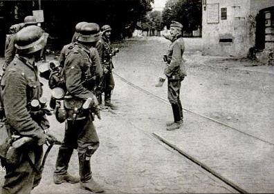 Одна из первых немецких групп в Киеве - 19 сентября 1941 года