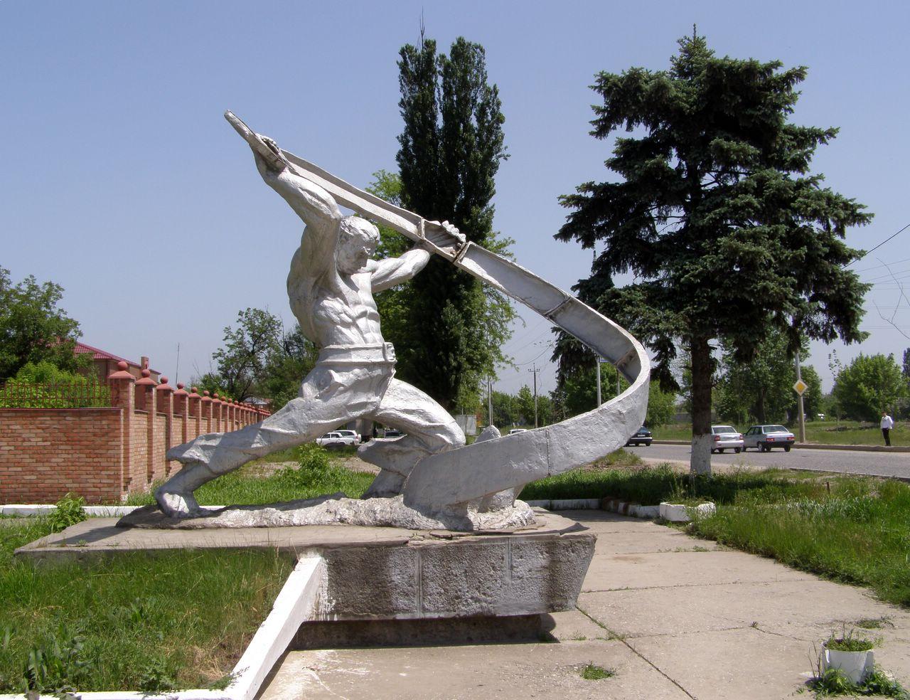 Памятник с ангелом Малгобек памятник на могилку Бунинская аллея