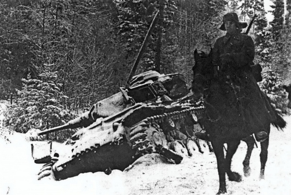 Кавалерист и танк