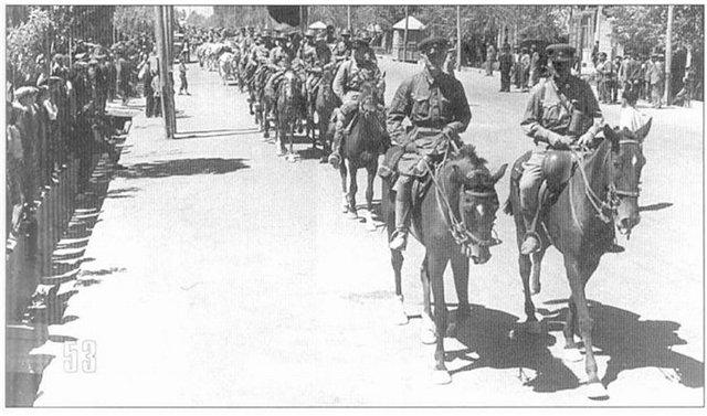 Советская кавалерия в Тегеране