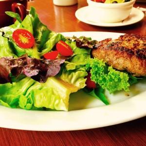 Chow-Lamb burger
