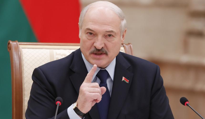 Лукашенко ответил на совет Макрона о добровольной отставке
