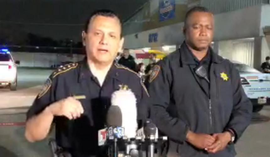 В Хьюстоне неизвестный открыл огонь по людям на рынке