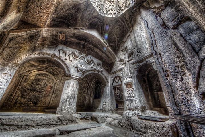Monastyr-Gegard-Armeniya