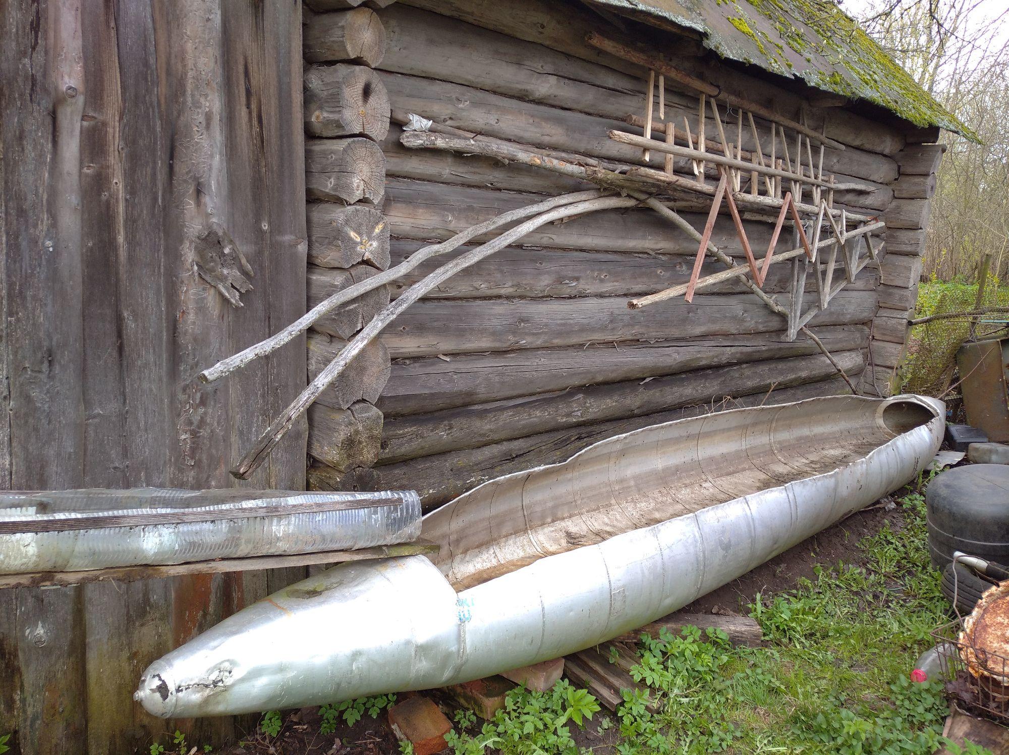 Лодка из бака от бомбардировщика. Эхо той войны