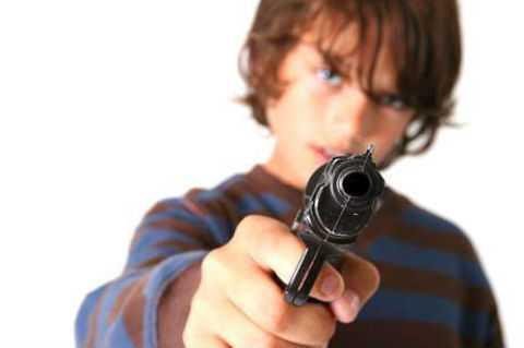 11-letnij-malchik-prines-v-shkolu-oruzhie-i-prigrozil-odnoklassnikam-raspravoj_40915_0