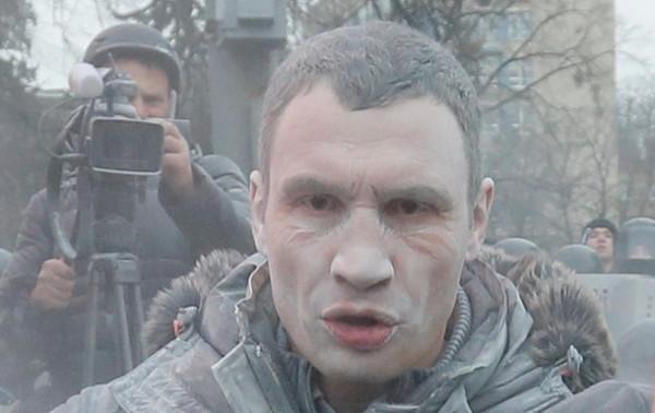 украина новости; кличко после огнетушения