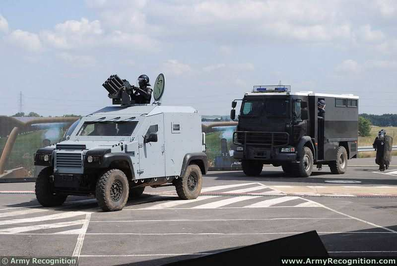 Eurosatory_2014_live_demonstration_press_day_International_defense_and_security_exhibition_Paris_France_021