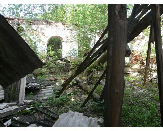 развалины на улице дж