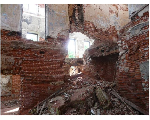 развалины внутри 2 дж