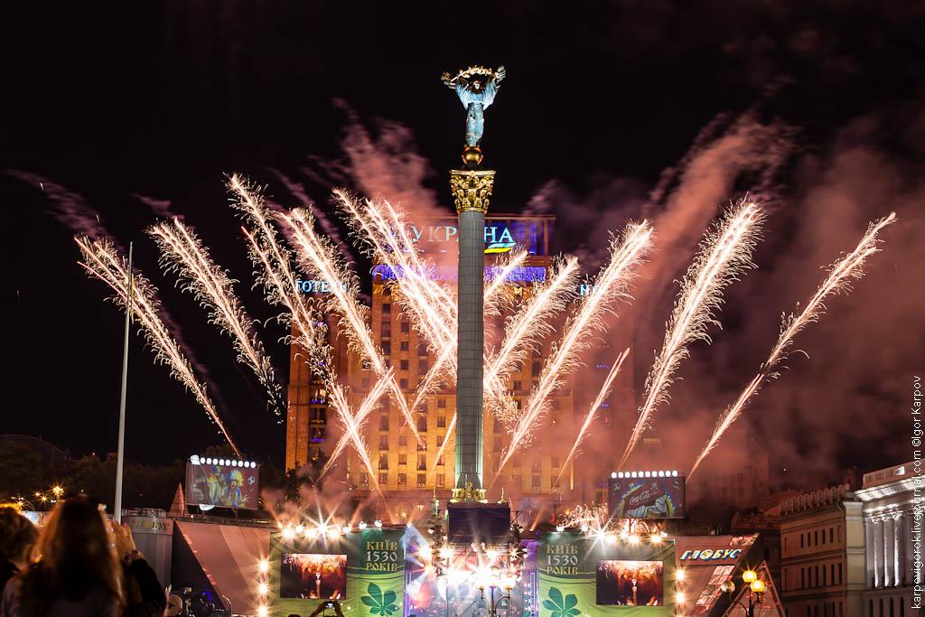 праздничный салют в День Киева, 27 мая 2012