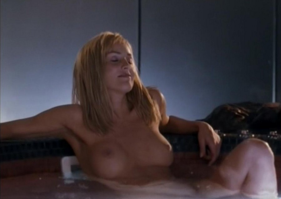 seks-na-plyazhe-sen