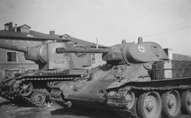 Beutepanzer_T34_KW2_1942