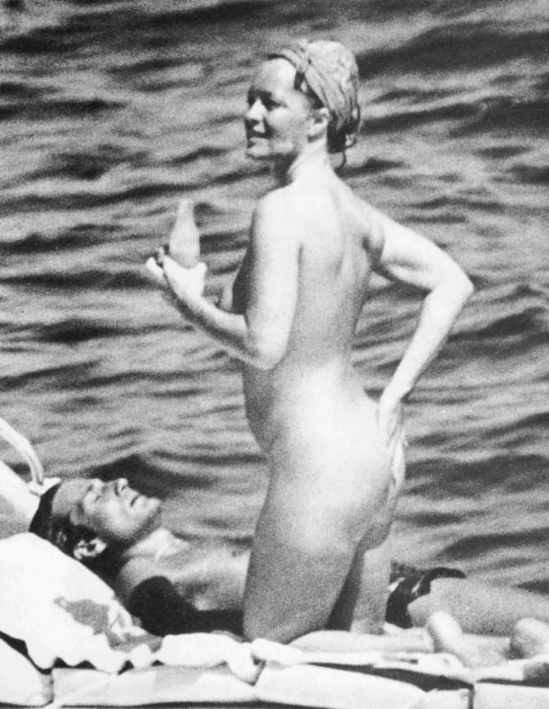 Роми шнайдер голая 16 фотография