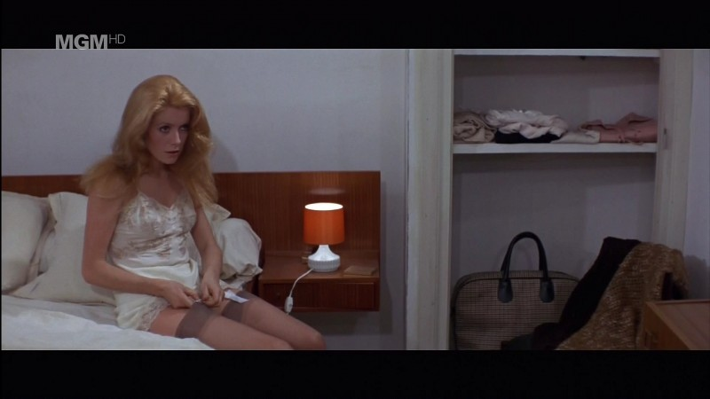 31775_CatherineDeneuve_mermaidframe985_123_430lo