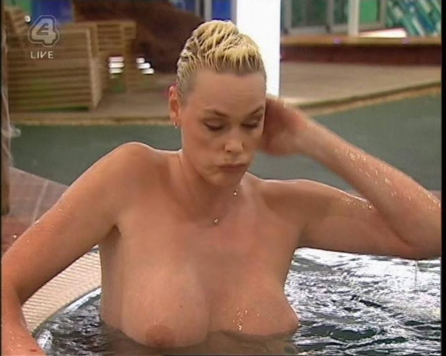 Brigitte-Nielsen-Topless-6