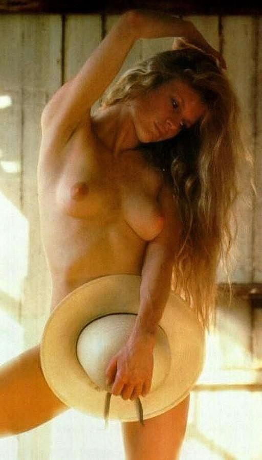 kim-basinger-natural-nude-tawnee-stone-tube
