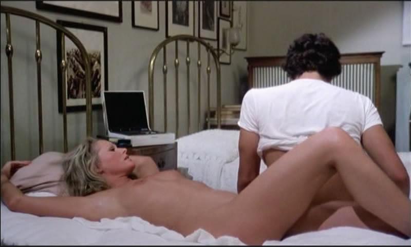 ursula-andress-eroticheskie-stseni