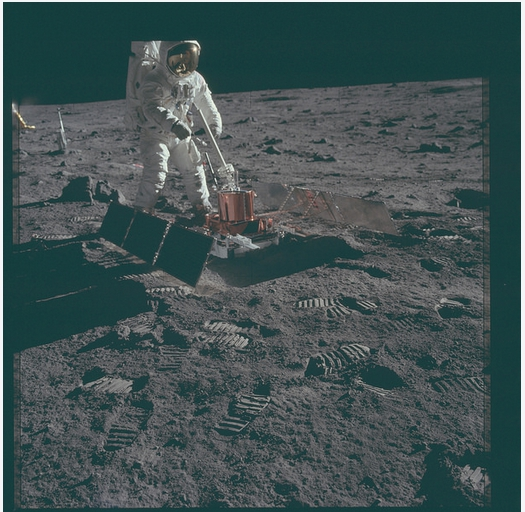 Apollo 11 Magazine 40S (v2)  Flickr - Photo Sharing! - Maxthon Cloud Browser 4.4.6.1000