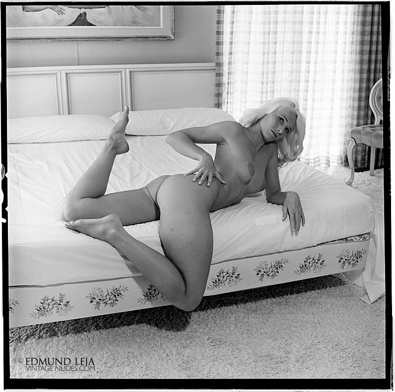 SylviaHand1965_160