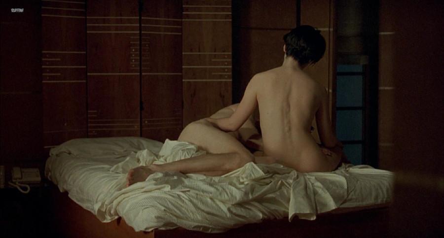 eroticheskoe-foto-zhyulett-binosh