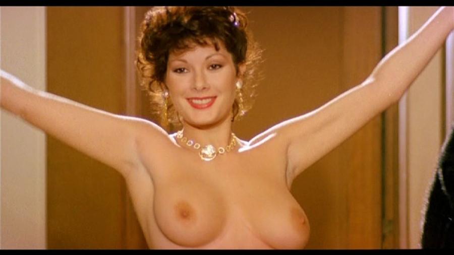 Edwige_Fenech_La_moglie_in_vacanza..._l_amante_in_citta_1980.vob_000033691