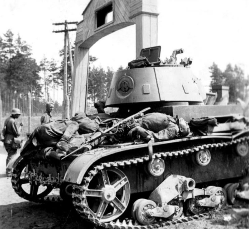 Russian-soldiers-lie-dead-t-26