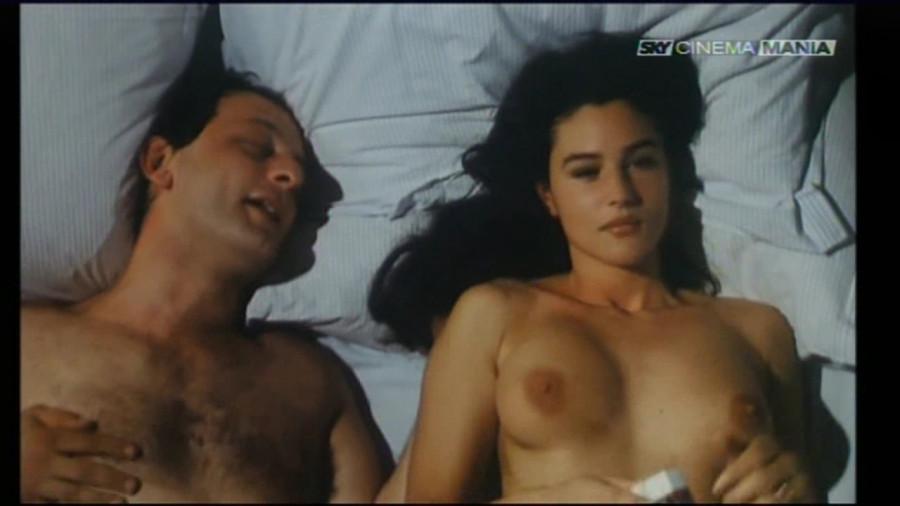 porno-italyanskie-eroticheskie-filmi-s-monikoy-kolenyah-delala