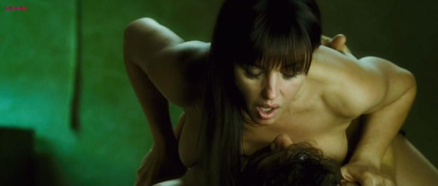 порно покажет кино женщины трахуетца его заметила развратная