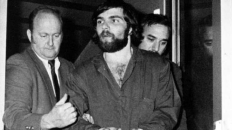 Дефео во время ареста. Ноябрь 1974