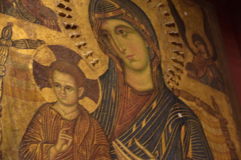Странный Иисус, напуганная Мария...или мне только кажется?