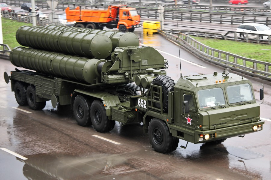 2011_Moscow_Victory_Day_Parade_(360-27)