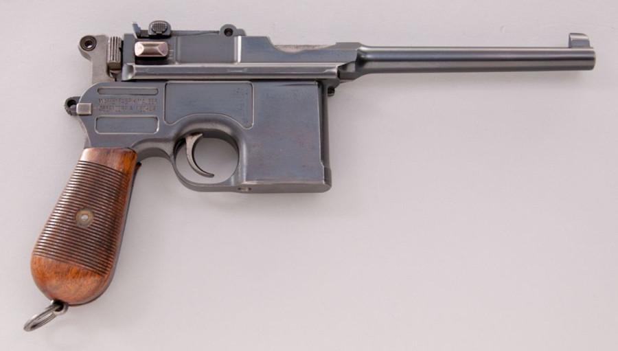 """рынке пистолет """"Маузер"""""""
