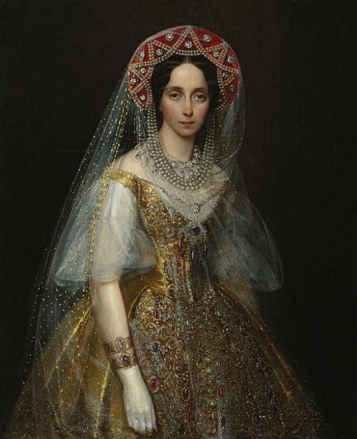 Мария Александровна в русском костюме.jpg