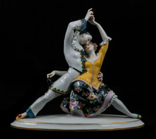 strastnoe-tango-tanec-pero-i-kolombiny-volkstedt-germaniya.jpg