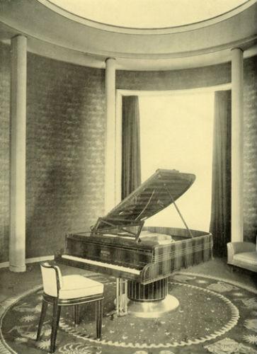 Нормандия-рояль-автор Поль Фолло.jpg