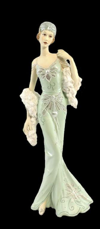 Леди Чарльстон Подиум Аква The Leonardo Collection Великобритания.jpg