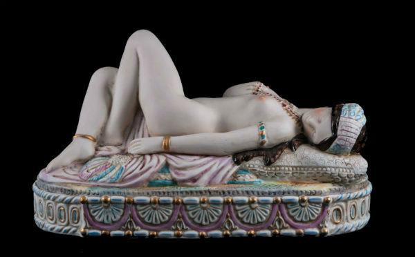 odaliska-germaniya - лежащая одалиска немецкая копия статуэтки Гарднер 19 век бисквитный фарфор.jpg