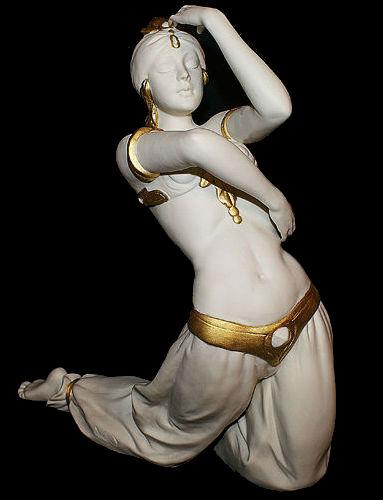 Турчанка в танце 1 -Италия.jpg