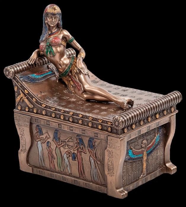Клеопатра на ложе - Veronese - шкатулка.jpg