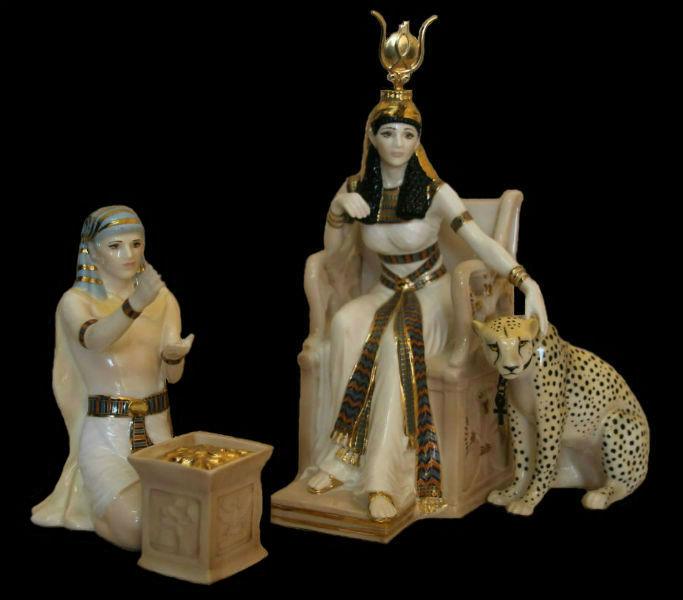 Композиция из четырёх статуэток -  Драгоценности Клеопатры - Royal Worcester.jpg