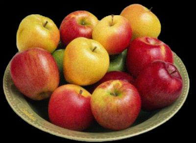 тарелка с яблоками.jpg