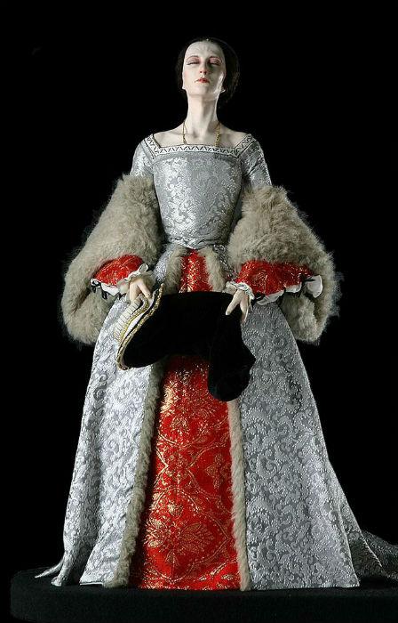 Джордж Стюарт (1929) - кукла Анна Болейн.jpg