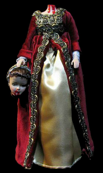 Обезглавленная Анна Болейн - кукла.jpg