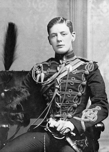 Лейтенант Уинстон Черчилль 4-го Ее Величества королевы гусарского полка.jpg